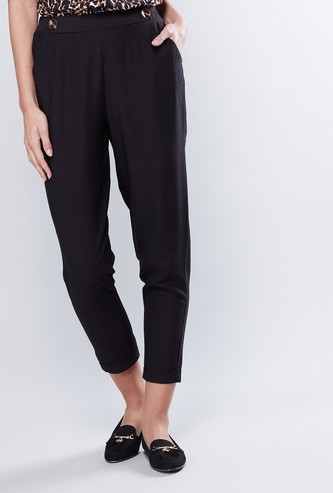 Tapered Capri Pants with Elasticised Waistband and Pocket Detail