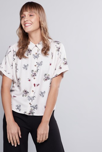 Printed Crop Shirt with Spread Collar and Short Sleeves