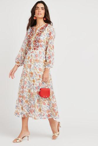 فستان إيه لاين طويل مطرّز بأكمام بيشوب وطبعات