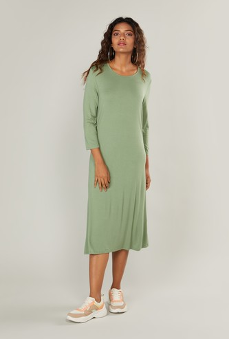Solid Midi Dress with Round Neck and 3/4 Sleeves