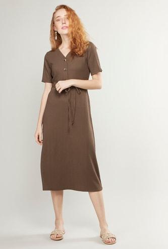 فستان ميدي إيه لاين سادة بأكمام قصيرة وأربطة