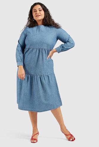 فستان سادة دينم ميدي متعدد الطبقات بأكمام طويلة