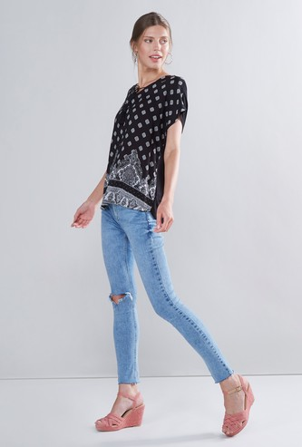 Printed Top with Extended Sleeves and Tie Ups