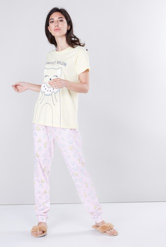 Printed Short Sleeves T-shirt with Cuff Pants