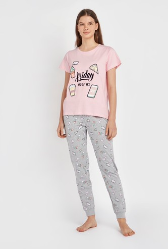 Typographic Print Short Sleeves T-shirt with Full Length Jog Pants