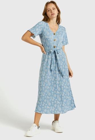 فستان إيه لاين ميدي بطبعات أزهار بارز الملمس وأكمام قصيرة ورباط
