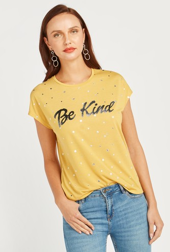Caviar Print T-shirt with Round Neck and Extended Sleeves