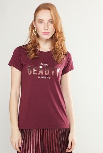 Embellished Round Neck T-shirt with Short Sleeves