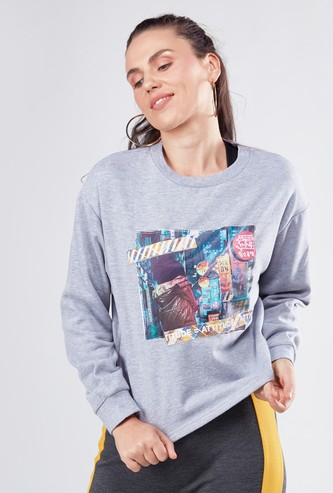 Graphic Printed Sweatshirt with Long Sleeves