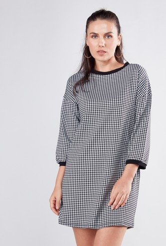 Houndstooth Print Mini Shift Dress with Round Neck and 3/4 Sleeves