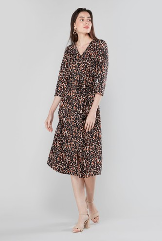 Printed Midi A-line Dress with V-neck and 3/4 Sleeves