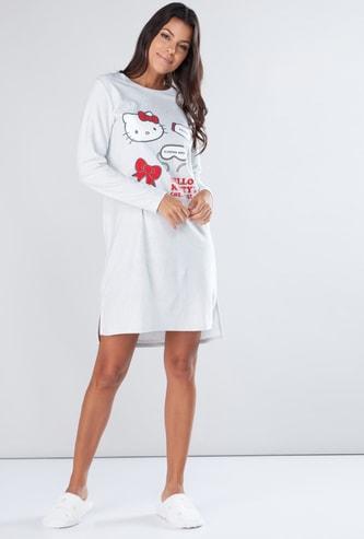 قميص نوم بياقة مستديرة وأكمام طويلة وطبعات هالو كيتي