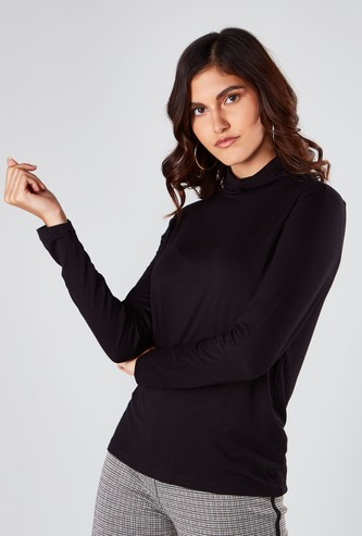 Plain Turtle Neck T-shirt with Long Sleeves