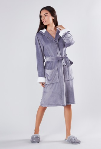 Textured Robe with Long Sleeves and Hood
