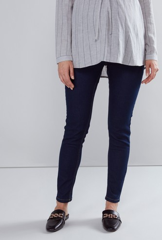 Slim-Fit Solid Maternity Jeans with Pocket Detail