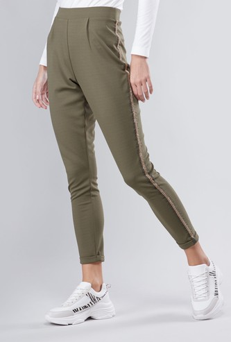 Cropped Tipping Detailed Pants with Elasticated Waistband