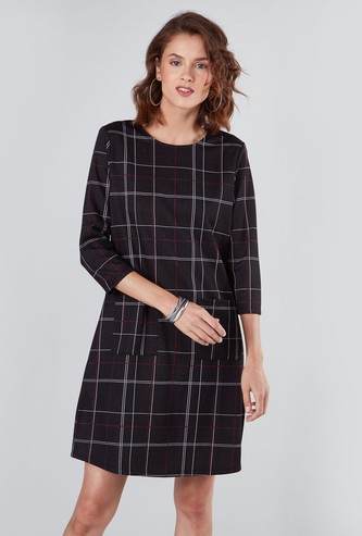 Chequered Midi Shift Dress with 3/4 Sleeves and Pocket Detail