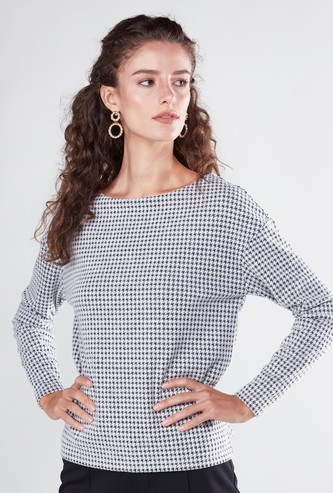Chequered Top with Boat Neck and Long Sleeves