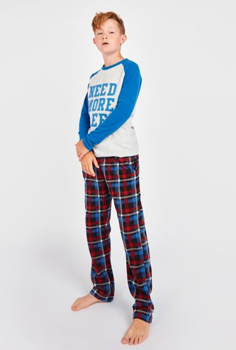 Textured Text Print Long Sleeves T-shirt and Chequered Pyjamas Set