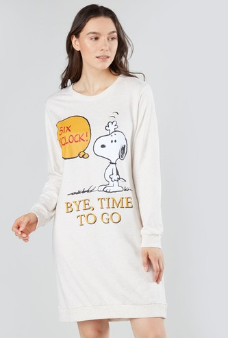 Snoopy Dog Printed Sleepshirt with Round Neck and Long Sleeves