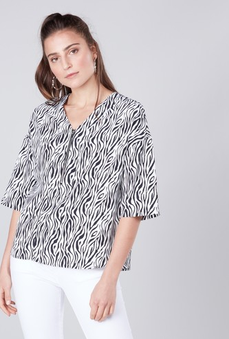 Printed Top with V-neck and Zip Detail