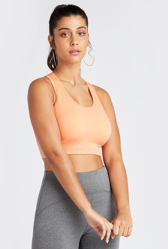 Slim Fit Medium Support Solid Sports Bra with Scoop Neck and Racerback