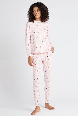 All-Over Printed Long Sleeves T-shirt and Full Length Pyjama Set