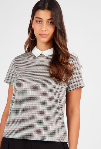 Houndstooth Printed Top with Contrast Collar and Short Sleeves