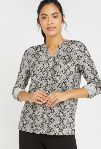 Animal Print Top with V-Neck Collar and Long Sleeves
