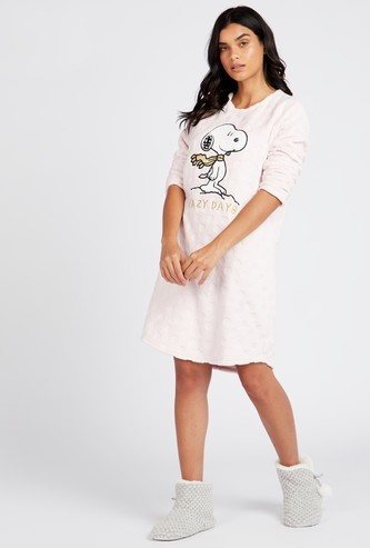 Snoopy Embroidered Sleepshirt with Round Neck and Long Sleeves
