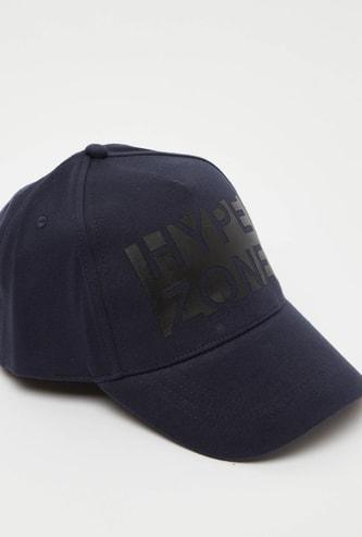 قبعة بيسبول بطبعات