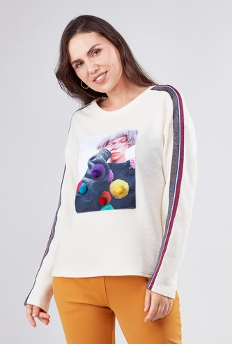 Graphic Print Round Neck T-shirt with Long Sleeves