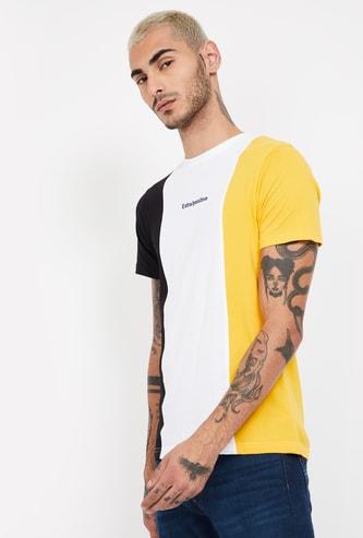 FAME FOREVER Colourblocked Regular Fit Crew Neck T-shirt