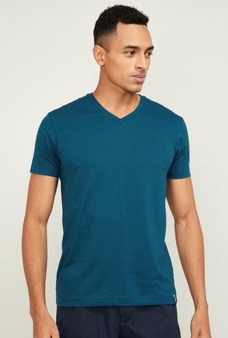 JOCKEY Men Solid Slim Fit V-Neck Lounge T-shirt