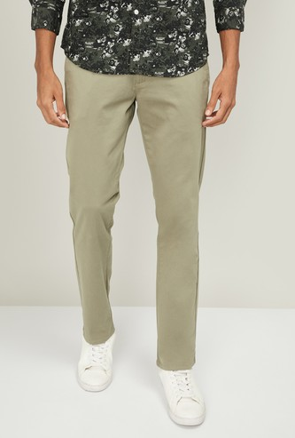 LEVI'S Men Solid Slim Tapered Fit Chinos