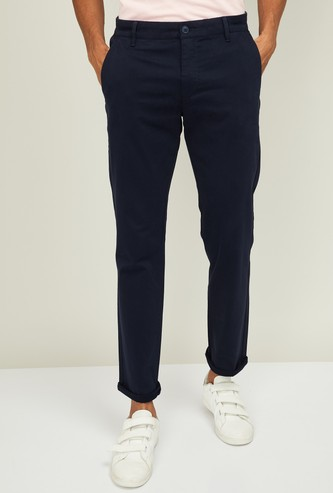 LEVI'S Men Solid Slim Fit Casual Trousers
