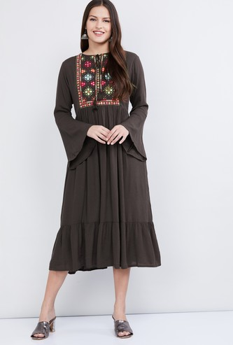 MAX Embroidered Bell Sleeves Midi Dress
