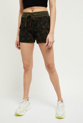MAX Drawstring Waist Shorts With Flap Pockets