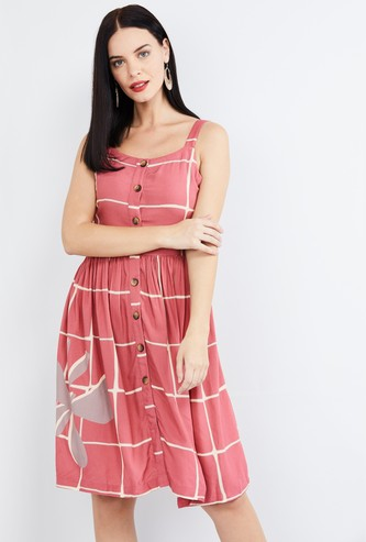 MAX Floral Embroidery Shift Dress