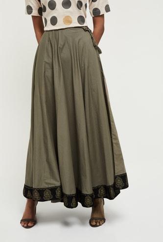 MAX Solid Tassel Detailed Skirt