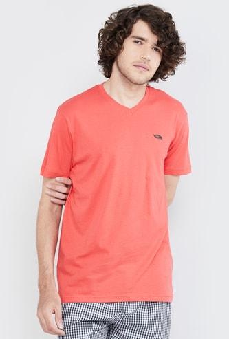 MAX Solid Organic Cotton V-neck T-shirt