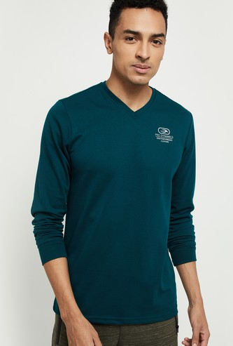 MAX Solid Full Sleeves V-Neck T-shirt