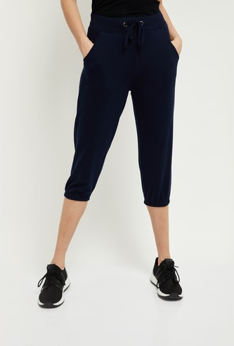 MAX Solid Capris with Slant Pockets