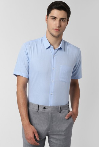PETER ENGLAND Solid Short Sleeves Nuvo Fit Formal Shirt