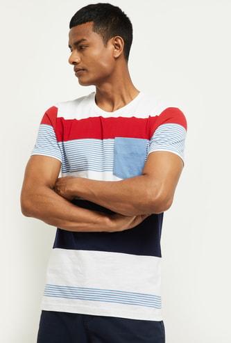 MAX Colourblocked Slim Fit Crew Neck T-shirt