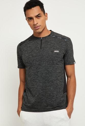 MAX Textured Slim Fit T-shirt