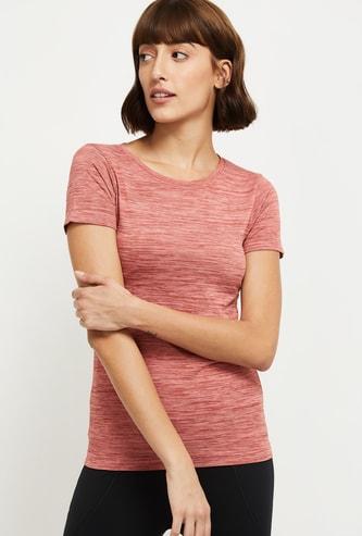 MAX Textured T-shirt