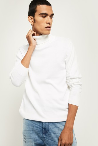 MAX Solid Turtle Neck Sweater