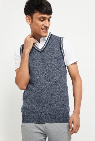 MAX Solid V-Neck Sweater Vest