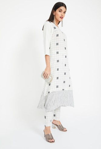 IMARA Checked A-line Three-quarter Sleeves Kurta